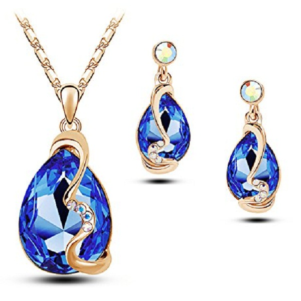 YouBella Presents L amore Collection Crystal Jewellery Pendant Set