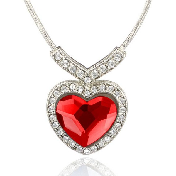 Mahi Red Titanic Heart Pendant