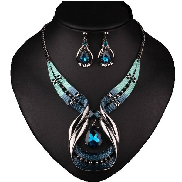 Sansar India Necklace Set