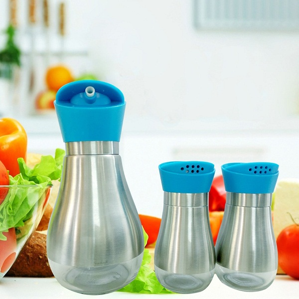 Oil Dispenser with Salt and Pepper set